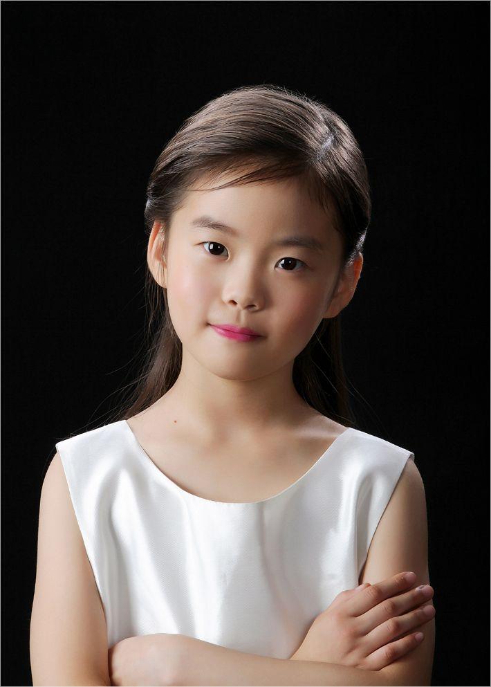 만 8세 하피스트 김채원, '홍콩 하프 콩쿠르' 최연소 2위