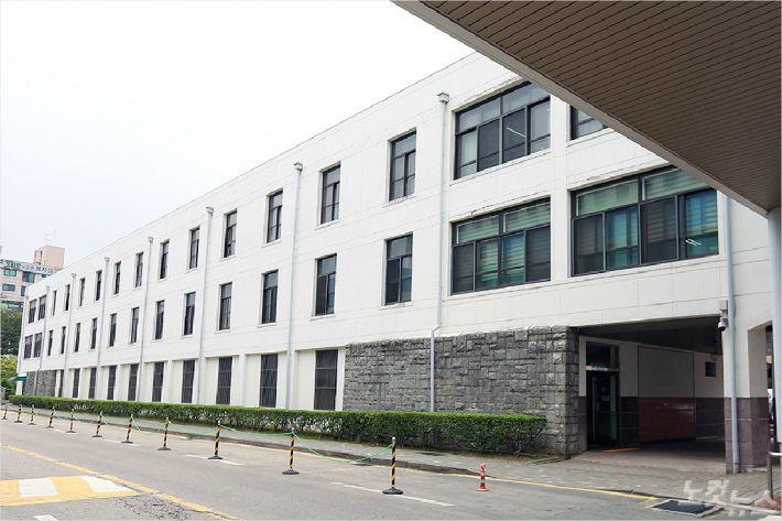 충남대학교 구 문리과대학, 현 충남대학교병원 행정동 (사진=충남대 제공)