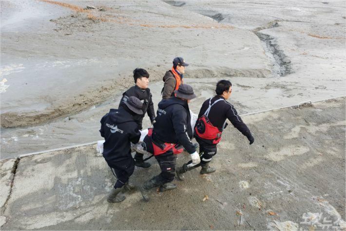 9일 오전 해산물을 채취하러 나갔다 실종됐던 50대 남성이 숨진 채 발견됐다. (사진=태안해경 제공)