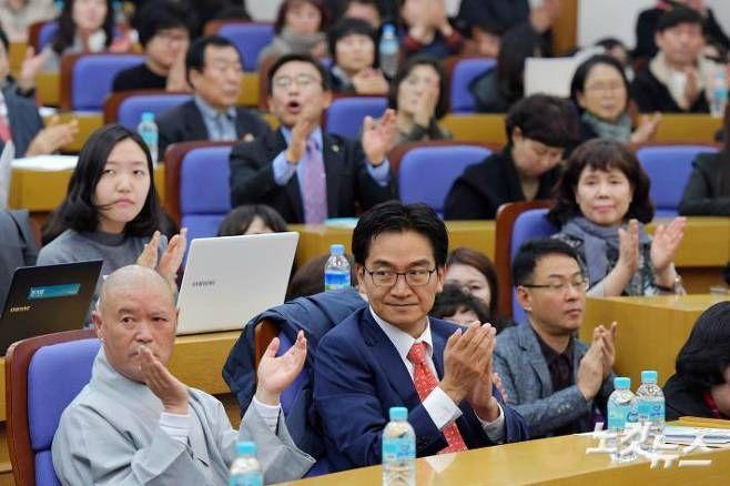 '혈세·원비 내 맘대로'… 한국당과 한유총의 동맹