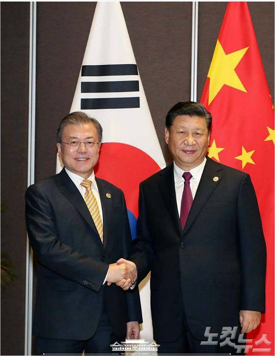文, 나흘새 '미·중·러' 연쇄회담…대북제재 이견 속 '외교강행군'