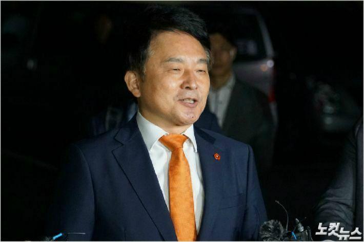 지난 9월 경찰 소환 조사에 응하는 원희룡 제주지사. (자료사진)