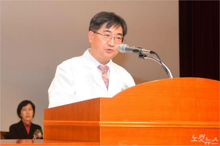 김하용 신임 을지대병원장이 4일 취임사를 하고 있다. (사진=을지대병원 제공)