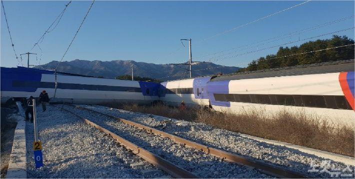 KTX806 열차가 8일 선로를 이탈하는 사고가 발생했다. (사진=전영래 기자)