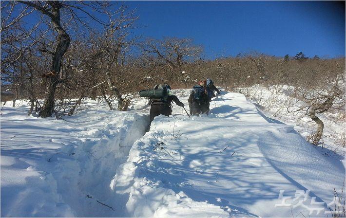 겨울철 산행사고 94%는 골절·탈진…안전장비 챙기세요