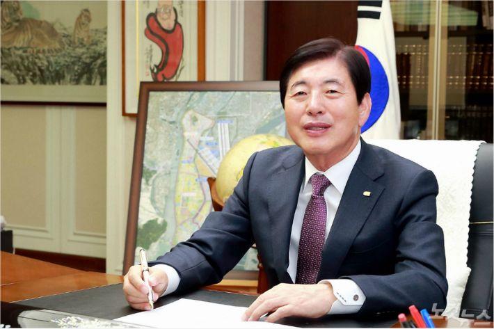 [라디오매거진 인터뷰] 허용도 부산상공회의소 회장