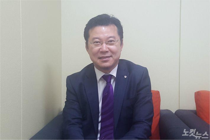 [노컷이 만난 사람]부산학교학부모총연합회 이재웅 회장