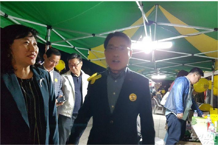 박기영 교수(왼쪽)와 권오봉 시장(사진=독자제공)