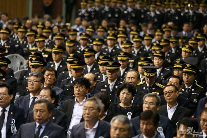 故 권태원 소방관의 영결식에 참석한 동료들 (사진 = 소방본부 제공)