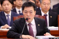 """법무·검찰 전쟁 촉발한 김오수…검찰 """"이해할 수 없다"""""""