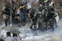 홍콩경찰, 최후보루 이공대 함락작전…시위대 탈출 러시