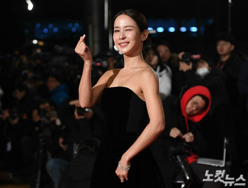 """[청룡영화제] '여우주연상' 조여정 """"아임 데들리 씨리어스"""""""