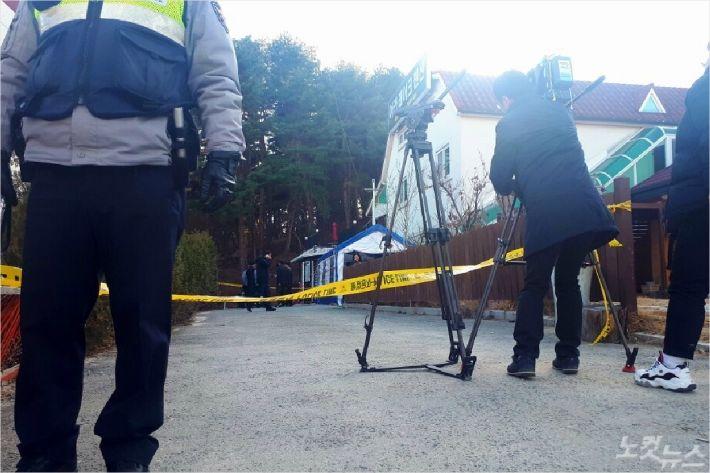 사고 직후 펜션 앞에 폴리스라인이 처져 있는 모습. (사진=유선희 기자)