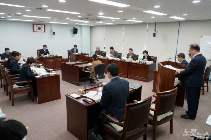 강릉시의회 예산결산특별위원회. (사진=강릉시의회 제공)