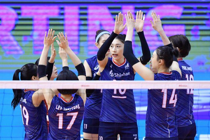 '강소휘 서브쇼' 라바리니호, 올림픽 향해 순항