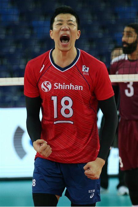 韓 남자배구, 카타르에 극적 승리…조 2위로 준결승 진출
