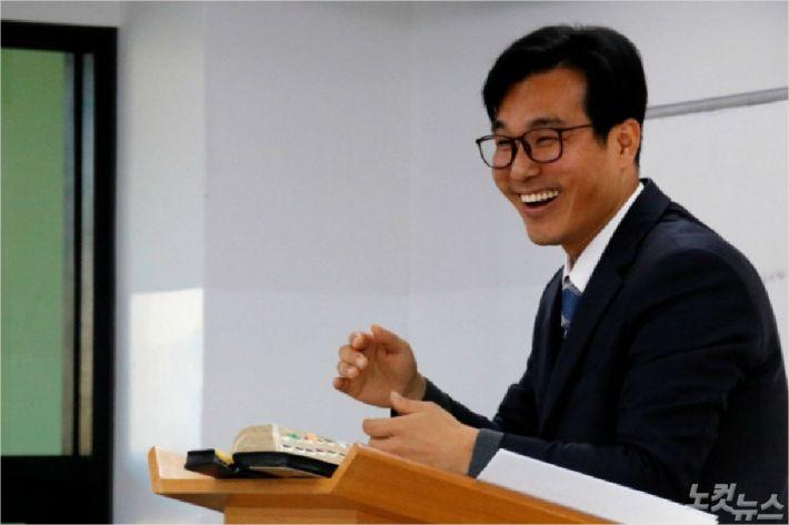 속초농아인교회 최만석목사(사진=최만석목사 제공)