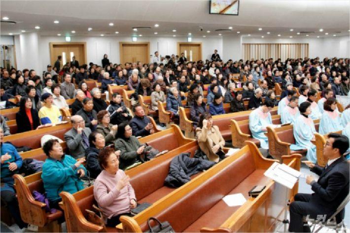 현재 속초농아인교회는 속초중앙교회와 함께 예배를 드리고 있다.(사진=최만석목사 제공)