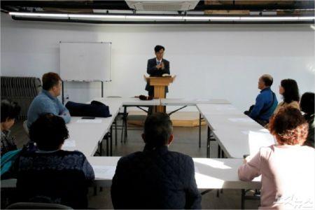 속초농아인교회 예배모습(사진=최만석목사 제공)