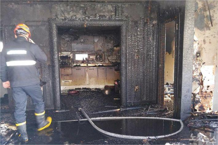 불이 난 주택 내부. (사진=부산경찰청 제공)