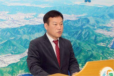 창원시 류효종 스마트혁신산업 국장이 17일 창원시청 프레스센터에서 브리핑을 하고 있다. (사진=창원시 제공)