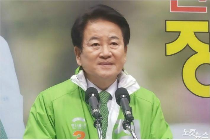 31일 민생당 정동영 후보(전주병)가 기자회견을 하고 있다. (사진=김용완 기자)