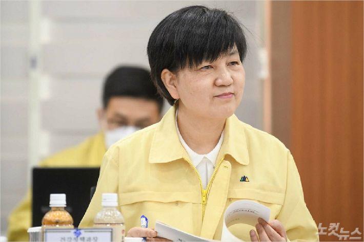 부산지역 코로나19 야전사령관인 안병선 부산시 건강정책과장 (사진제공/부산시청)