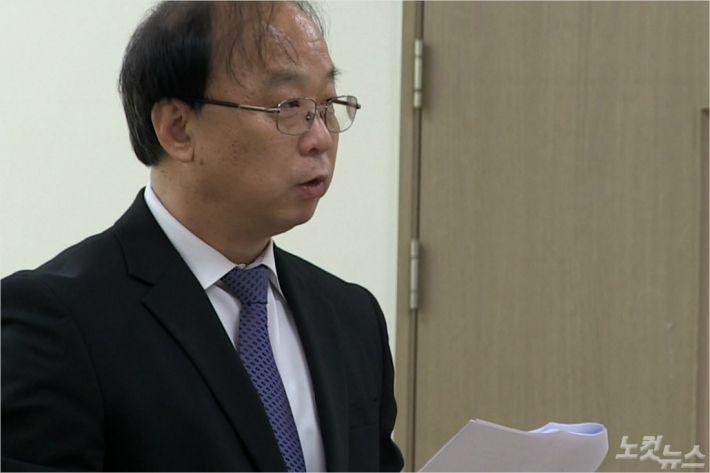 대전CBS 성기명 본부장이 CBS의 현황에 대해 소개하고 있다.