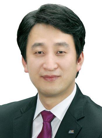 제8대 순천시의회 후반기 의장에 선출된 허유인 의원. (사진=순천시의회 제공)