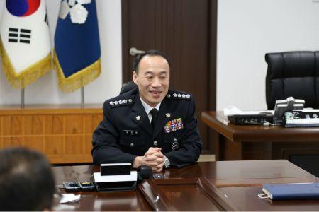 송민웅 신임 여수해양경찰서장은 9일 취임식을 하고 본격적인 업무에 돌입했다. (사진=여수해경 제공)