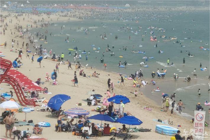 2일 오후2시 부산 해운대해수욕장 풍경(사진=부산CBS 박창호 기자)