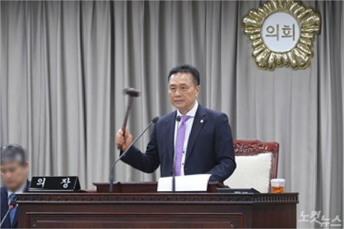 제7~8대 전반기 의장을 맡은 더불어민주당 소속 익산시의회 조규대(64) 의원. (사진= 익산시의회 제공)