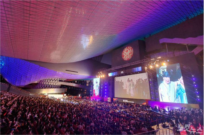 2019년 24회 부산국제영화제 개막식 모습(사진=부산CBS 박창호 기자)