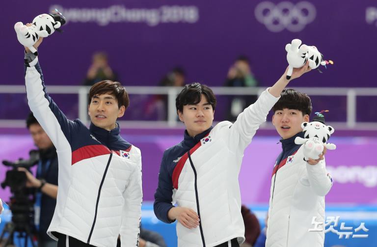 """환상의 팀워크 남자 스피드스케이팅 팀추월 """"은메달"""""""