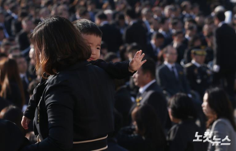 세월호 참사 4주기, 오열하는 유가족들