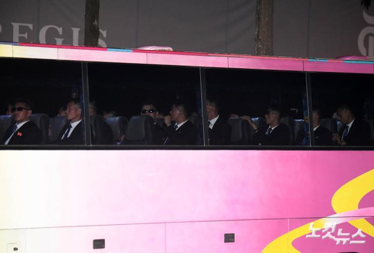 카펠라 호텔 보안점검 마친 북측 경호원
