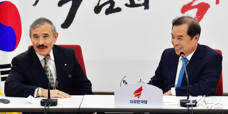 해리 해리스 주한미국대사, 민주당 이해찬-한국당 김병준 예방