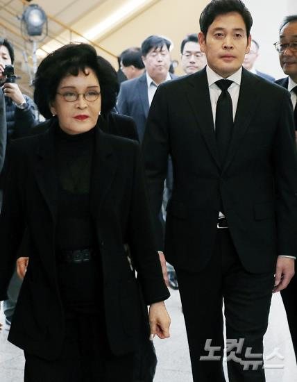 고 김우중 전 회장 빈소 찾은 정재계 인사들
