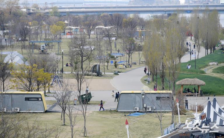 한산한 여의도공원