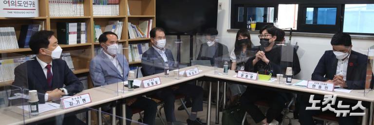 국민의힘 김기현, 천안함 유족 및 생존 장병 간담회