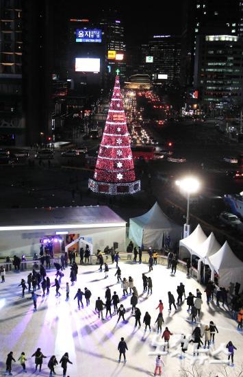 서울광장 스케이트장 개장