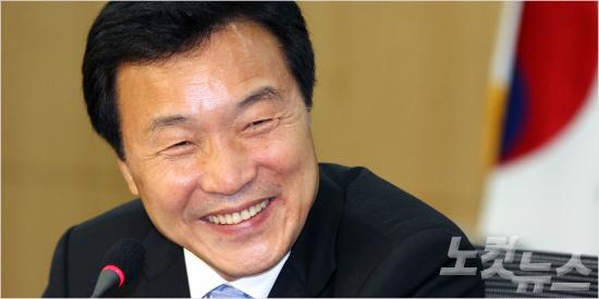 """손학규 """"이번 총선은 4·19 혁명 DNA 드러난 선거"""""""