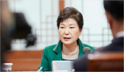 6년 전과 똑같은 '참패 후폭풍', 박 대통령의 선택은
