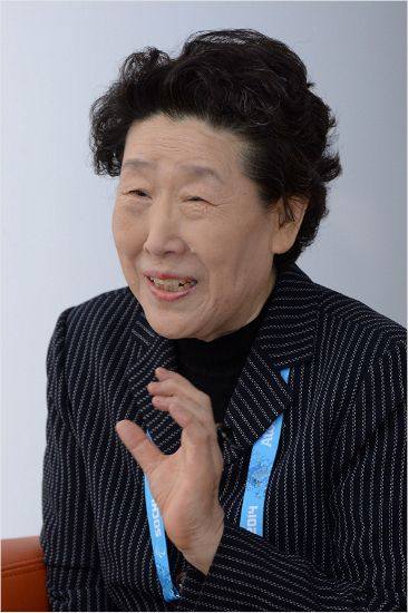 아담 홀·시니 피, '황연대 성취상' 남녀 수상자 선정