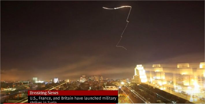 """러시아 """"시리아 공습 미사일, 러 방공망 구역 안에 들어와"""""""