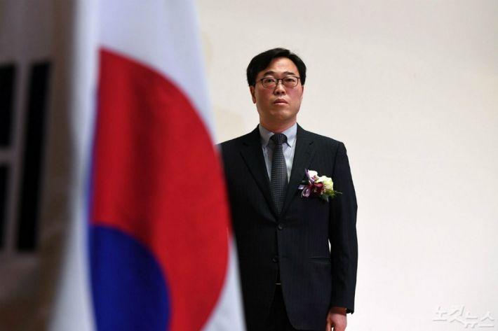 문 대통령, 김기식 금감원장 사표 수리