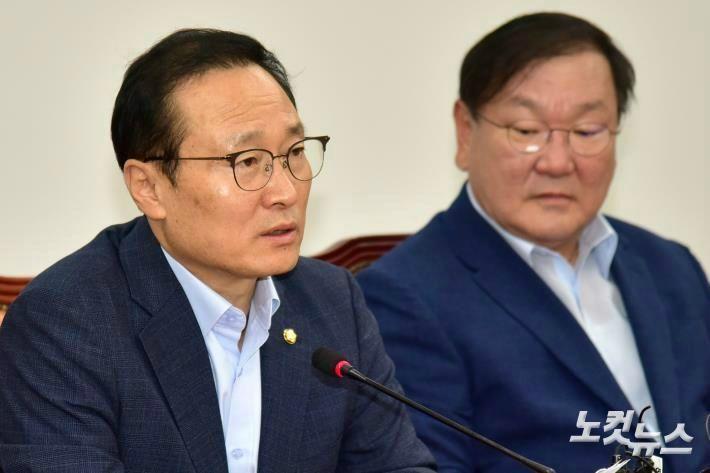 """홍영표 """"여야 참여 '사회적합의체'로 국민연금 풀어야"""""""