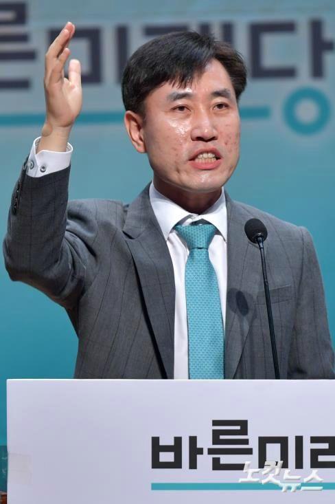 """하태경 """"軍 면제, 대중음악 1위 방탄소년단도 받아야"""""""