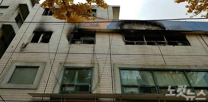 """종로소방 """"고시원 3층 출입구 불로 대피 어려워…대부분 일용직"""""""