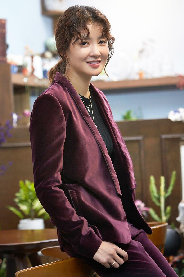 7c7eec55ada 2019년 1월 1일 개봉하는 영화 '언니'에서 인애 역을 맡은 배우 이시영 (사진=제이앤씨미디어 그룹 제공)